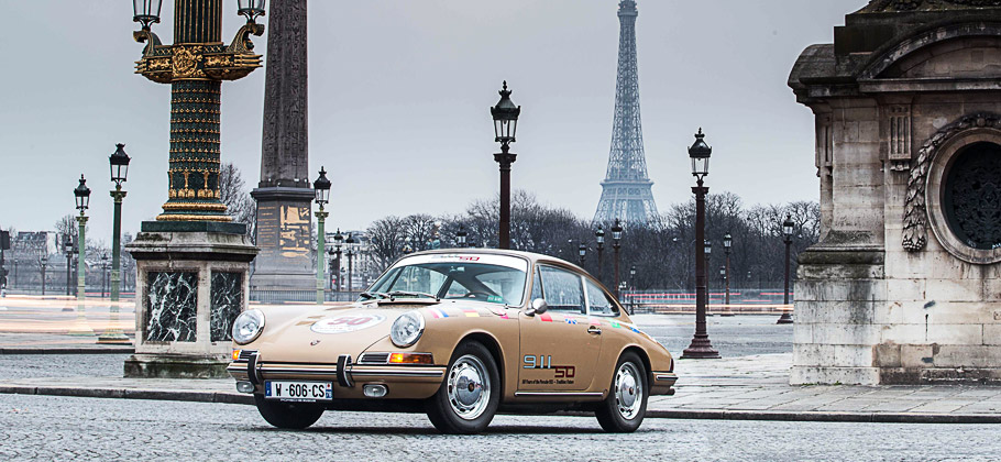 "Der Porsche 911 ""Around the World"" zu Gast in Frankreich, Paris."