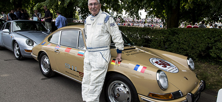 "Vic Elford und der Porsche 911 ""Around the World"" gemeinsam auf dem Goodwood Festival 2013."