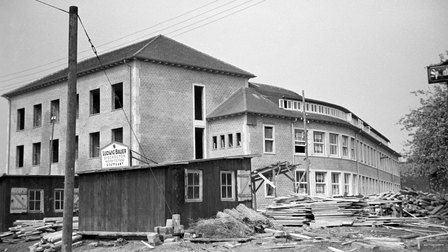 1938: View of the main entrance