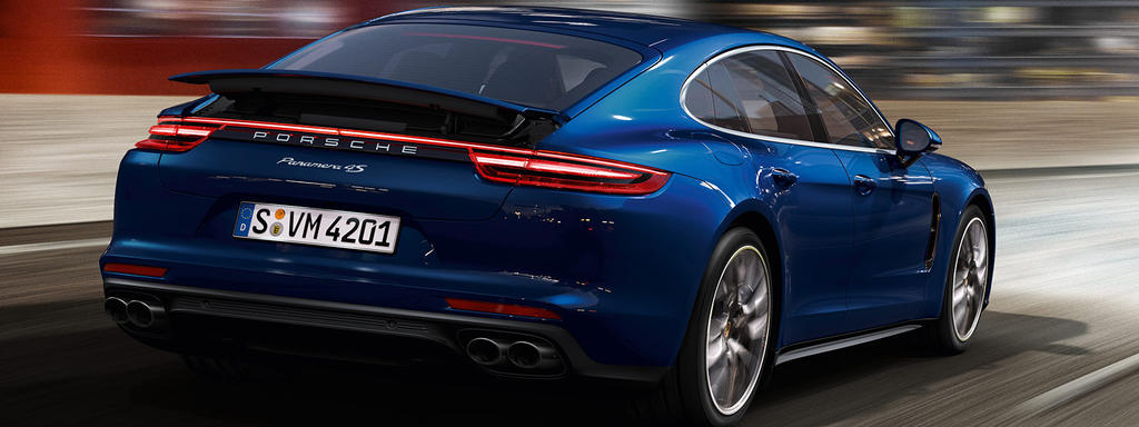 Porsche Panamera 4 E Hybrid 10 Years Edition Night View Porsche Middle East